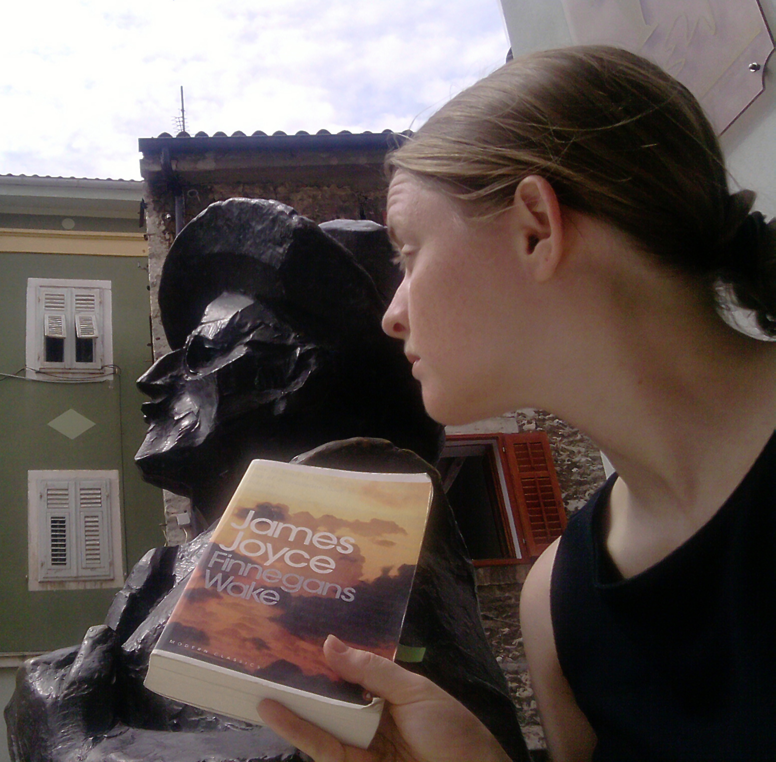Elizabeth Kate Switaj asks the statue of James Joyce in Pula, Croatia for an explanation of Finnegans Wake. Joyce does not cooperate.